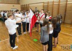 Gimnazjum Nr 1 - pasowanie uczniów klas pierwszych
