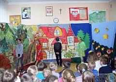 Baśniowo w szkolnym teatrze