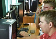 Przekazanie pracowni komputerowej dla Zespołu Szkół Technicznych