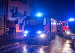 Pożar w zakładzie mechaniki pojazdowej
