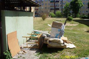 Uroda miasta - Tak wspólnota Sokola 16 wyrzuca swoje odpady do Spółdzielni Mieszkaniowej!
