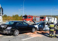 Zderzenia 4 samochodów - 2 osoby poszkodowane