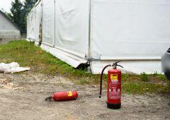 Pożar namiotu przy Domu Miłosierdzia