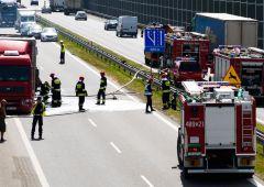 Na S7 zapaliła się naczepa samochodu ciężarowego