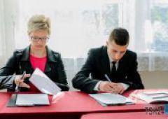 Podpisanie umów stypendialnych w ZSTM