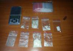 Odpowiedzą za włamanie oraz posiadanie narkotyków