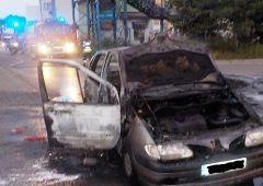 Pożar samochodu osobowego na ul. Towarowej w Skarżysku-Kamiennej