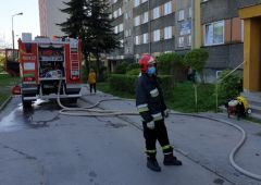Pożar mieszkania w jednym z bloków przy ul. Piłsudskiego w Skarżysku-Kamiennej